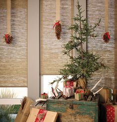 Infuse a natural warmth into holiday decor with Hunter Douglas Alustra® Woven Textures® roller shades. Vinyl Blinds, Wood Blinds, Custom Blinds, Bamboo Blinds, Lake House Window Treatments, Window Coverings, Christmas Crafts, Christmas Decorations, Holiday Decor