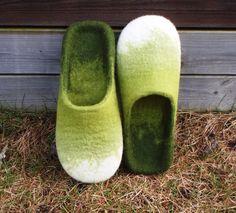 felted wool slippers PAVASARA DĪGSTI pamana.lv