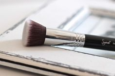 I love Sigma F80 Flat Kabuki Brush its make my skin fell good when i take my foundation on<3