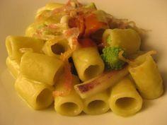 Tubetti con totani, broccoli romani e guanciale