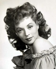 Lilli Palmer Old Hollywood Stars, Hollywood Icons, Old Hollywood Glamour, Hollywood Fashion, Vintage Hollywood, Classic Hollywood, Hollywood Style, 24 Mai, Lilli Palmer