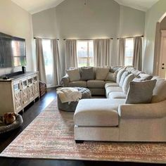 Large Sectional Sofa, Living Room Sectional, Living Room Furniture, Home Furniture, Couch, Cute House, Room Mom, Home Remodeling, New Homes