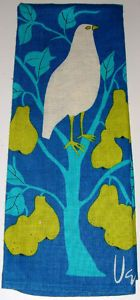 I like collecting Vera Neumann kitchen towels. Why? Because.
