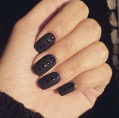 8. This is such a cool take on a dotticure!