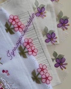 Soğuk Kış akşamı içinizi ısıtacak renkler 😊 . . NOT:UZUN BİR SÜRE İÇERİSİNDE SİPARİŞ ALAMAYACAĞIZ BİLGİNİZE . . .… Crochet Borders, Filet Crochet, Needle Lace, Crewel Embroidery, Baby Knitting Patterns, Diy And Crafts, Cross Stitch, Dish Towels, Cross Stitch Embroidery