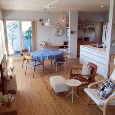 YUKKOさんの、部屋全体,北欧,ルイスポールセン,北欧雑貨,北欧インテリア,ウンベラータ,HAY,KAHLER,丸テーブル,二世帯住宅,北欧テイスト,GRAS,のお部屋写真