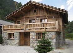 Beautiful houses and facades, photo - Baustil A Frame Cabin, A Frame House, Stone Cabin, Chalet Design, Log Cabin Homes, Log Cabins, Facade House, House Facades, Wooden House