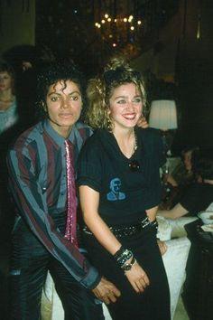 is a FABULOUS picture of Michael and Madonna.This is a FABULOUS picture of Michael and Madonna. Lady Madonna, Madonna 80s, Madonna Concert, Madonna Rare, Jackson Family, Jackson 5, La Madone, Michael Jackson Pics, Idole