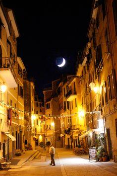The moon over Vernazza, Italy | Love & Adventure