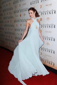 El último año de Olga Kurylenko lo confirma, su estilo es impecable (via Bloglovin.com )