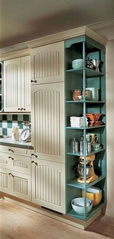 Farmhouse Kitchen Cabinet Ideas to Make Your Kitchen Design more interesting https://carrebianhome.com/farmhouse-kitchen-cabinet-ideas-to-make-your-kitchen-design-more-interesting/
