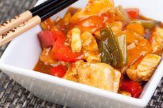 Il Pollo al curry è tipico della cucina cinese, la ricetta tradizionale per preparare in casa questo piatto saporito e gustoso.