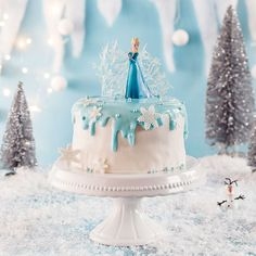 The biggest thing for little queens fans is a motto party in an extra cool look! Tips for a cake, cake, cake pops, decoration and co can be found here. Dive into our completely frozen world! Frozen Birthday Invitations, Frozen Themed Birthday Party, Birthday Parties, Frozen Cake Pops, Frozen Cake Topper, Disney Frozen Party, Elsa Torte, Baby Showers Juegos, Olaf Cake
