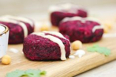 Beetroot falafel recipe by Trinity - gluten-free vegan Healthy Diet Recipes, Veggie Recipes, Cooking Recipes, Healthy Food, Savoury Recipes, Healthy Dinners, Healthy Treats, Cooking Time, Free Recipes