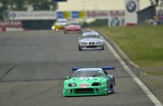 Falken Toyota Supra beim 24h-Rennen 2000. Den Sound bekommt ihr hier auf die Ohren: http://addicted-to-motorsport.de/2017/03/20/2000-2017-coole-rennwagen-falken-look/?utm_campaign=crowdfire&utm_content=crowdfire&utm_medium=social&utm_source=pinterest (Foto: André Irlmeier, CC BY-SA)