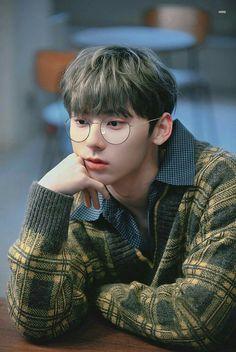 The Mind Reader Girl{Peculiar's Story}ON-GOING - -ABOUT THE PORTRAYER- Bata pa lang ako. Alam ko nang may kakaiba sakin. I can mind-reading. I don't know why i have that ability. Napaka-imposible mang isipin sa mundo itong may nag-e-exist na mga ganito. Jung So Min, Jung Jin Woo, Korean Entertainment, Pledis Entertainment, Swing, Nu Est Minhyun, Boy Idols, Guan Lin, Kim Jaehwan