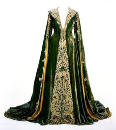 Dress worn by Vivien Leigh in Gone With the Wind (1939)