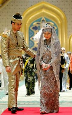 Burnei's traditional and royal wedding costume