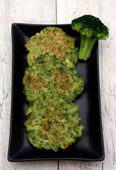 Broccoli pancakes with parmesan - Amandine Cooking - Miranda Gapper Fiber Cereal, Diabetic Menu, Vegetarian Recipes, Healthy Recipes, Batch Cooking, Vegan, Cooking With Kids, Savoury Dishes, Finger Foods