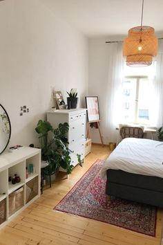 Help support student housing in Paris! Click the picture Room Ideas Bedroom, Bedroom Decor, Student Bedroom, Student Apartment Decor, Apartment Ideas, Minimalist Room, Aesthetic Room Decor, My New Room, House Rooms
