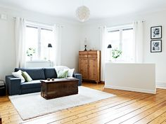great mix of old and new Old And New, Entryway Bench, New Homes, Living Room, Storage, Places, Rooms, Furniture, Ideas