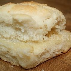 Deep South Dish: Sour Cream Biscuits, uses sour cream and lemon-lime soda. Supposed to make really tender biscuits! Deep South Dish, Deep Dish, Biscuit Bread, Biscuit Recipe, Biscuit Mix, Sour Cream Biscuits, Sprite Biscuits, Easy Biscuits, Buttermilk Biscuits