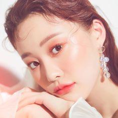 Kiss Makeup, Hair Makeup, Korean Makeup Look, Girly Drawings, Glass Skin, Beauty Editorial, Asian Style, Asian Girl, Makeup Looks