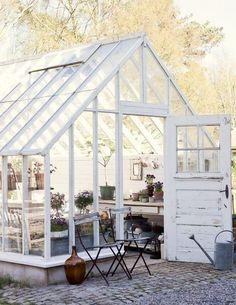 กระท่อมเรือนกระจก Green House เล็กๆ ที่เพิ่มความน่ารักให้สวนหลังบ้าน - แบบบ้าน   Hipflat บล็อก