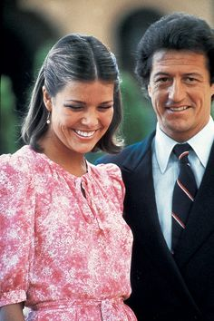 """Princess Caroline & her first husband French playboy Philippe Junot married in 1978 when the princess was 21 and he was Her parents """"loathed"""" him. The marriage lasted 2 yrs. and they divorced in Philippe Junot, Grace Kelly Wedding, Montecarlo Monaco, Charlize Theron Style, Monaco Princess, Christian Dior, Monaco Royal Family, Royal Engagement, Glamour"""