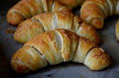 Croissant Bread, Hungarian Recipes, Health Eating, Healthy Living Tips, Bread Baking, Herbal Remedies, Bagel, Food To Make, Herbalism