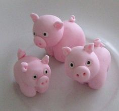 - Made by Liis Cute Polymer Clay, Polymer Clay Animals, Polymer Clay Projects, Polymer Clay Charms, Diy Clay, Clay Crafts, Fondant Cake Toppers, Fondant Figures, Clay Figures