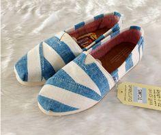 TOMS大條紋(2014新款)-藍白色/尺寸:W US /1500元
