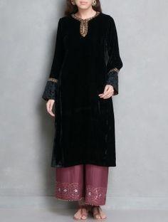 Black-Golden Zari Embellished & Applique Detailed Velvet Kurta