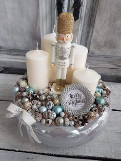 Handmade Christmas Decorations, Xmas Decorations, Christmas Wreaths, Christmas Ornaments, Advent Box, Advent Wreath, Flower Crafts, Winter Christmas, Diy And Crafts