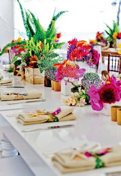 This ocean-inspired tablescape is so fab.