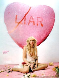 》 courtney love am not actually... 2004/5 or 6, i think 5 spin