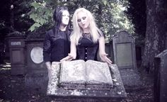 Liv Kristine - Love Decay (with Michelle Darkness) Gothic Metal, Gothic Rock, Oscar Wilde, Kinds Of Music, My Music, Best Rock Music, Symphonic Metal, Power Metal, Live Rock