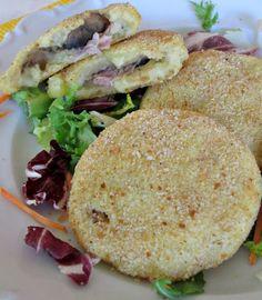 Hamburger di patate ripieni di funghi e prosciutto cotto