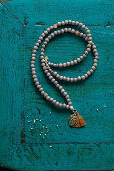 Ketten lang - SILENT BUDDHA Mala – Kupfer ॐ 108 Mala Beads Kette - ein Designerstück von Elli-Rosa bei DaWanda