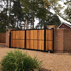 Powered sliding gate from our York collection. Front Gate Design, Main Gate Design, House Gate Design, Sliding Wooden Gates, Electric Sliding Gates, Front Gates, Entry Gates, Gates Driveway, Carport Designs