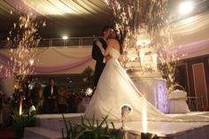 WO di Surabaya Hubungi JK Wedding Production = 0819 4493 4399. Wedding Organizer profesional dengan banyak pilihan Paket pernikahan. www.weddingorganizerku.com