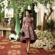 Hasil gambar untuk gaun pesta batik pendek