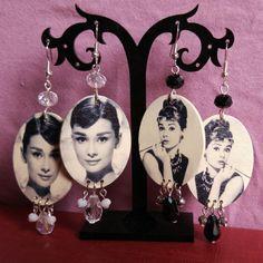 Orecchini con fotografia di Audrey Hepburn di MaggieHandmadeBijoux