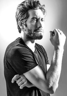 "Inspiration for ""Ian Holt"" from Lindsey Gray's Redemption series, actor Jake Gyllenhaal."