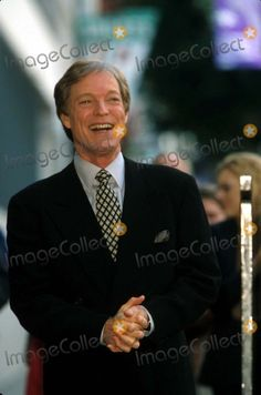 /29/2000 Los Angeles Richard Chamberlain Honored with Star on Hollywood Walk of Fame Photo by Alec Michael/Globe Photos Inc K18067am 2000 Richardchamberlainretro