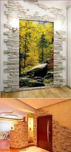 Декоративный камень и фотообои в интерьере прихожей