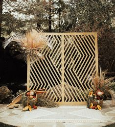 Malibu California Wedding - geo ceremony backdrop inspiration with pampas grass Gatsby Wedding, Art Deco Wedding, Trendy Wedding, Boho Wedding, Wedding Flowers, Wedding Shoes, Green Wedding, Wedding Beach, Wedding Music