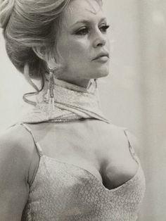 Brigitte Bardot, du cinéma à Gainsbourg - Catawiki