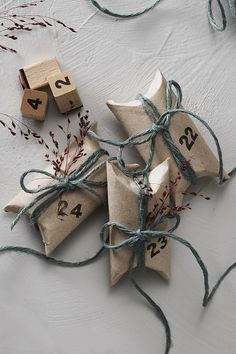 How to make your own Christmas calendar with upcycled toilet paper rolls. Check out our website for step-by-step instructions and more DIY upcycling inspiration. #DIY #panduro #christmas #paperroll #advent #upcycle #upcycling #recycle #jul #adventskalender #julkalender #toarulle #julekalender #pakkekalender #genbrug #toiletrulle #återbruk