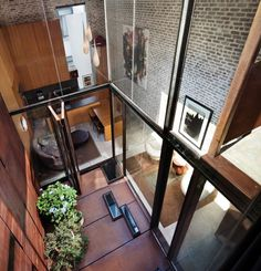 The Inverted Townhouse by Dean-Wolf Architects / A Townhouse Invertida por Dean-Wolf Architects